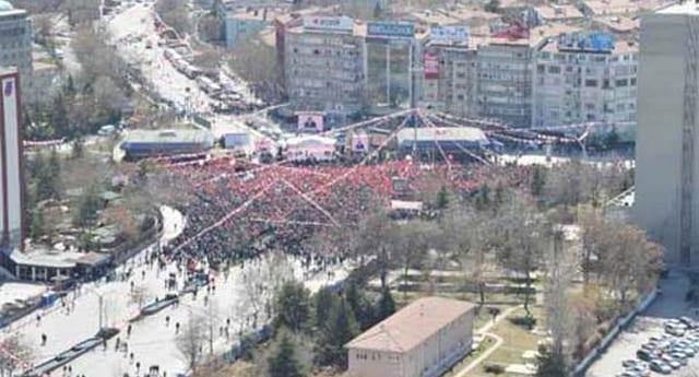 Melih Gökçek, Twitter'da Tandoğan mitingi ile dalga geçti