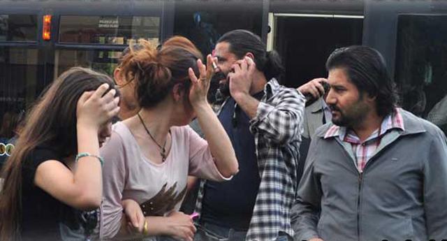 Tramvayda tacizciye biber gazı sıktı