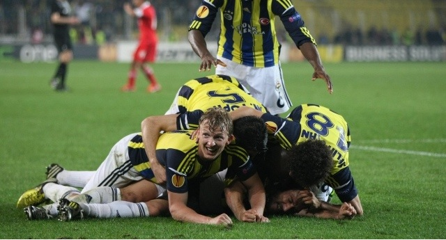 Fenerbahe finale bir adm daha yaklat!