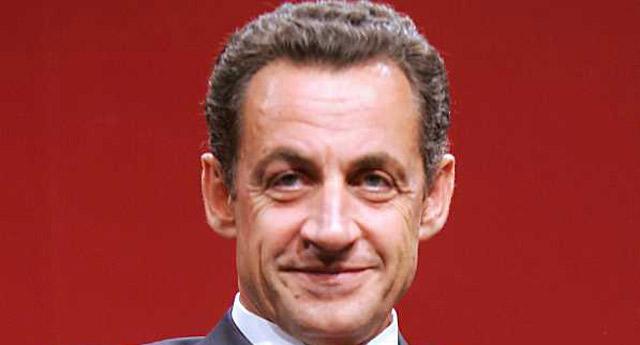 Sarkozy yeniden aday olacağını açıkladı