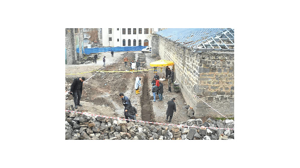 Diyarbakır'daki kemikler yarım asırlık çıktı