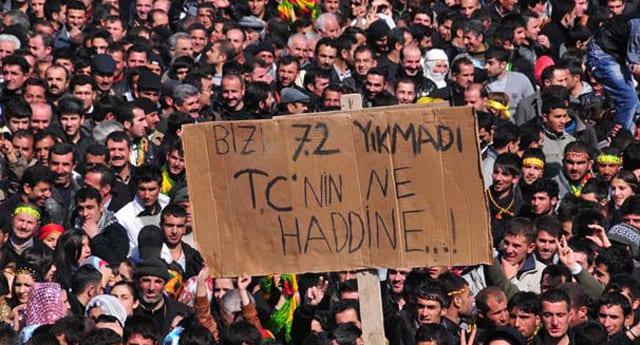 BDP nevruz etkinliğinde dikkat çeken pankart