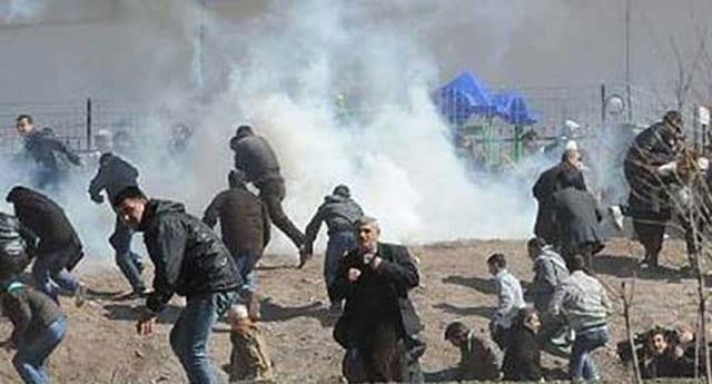 Zeytinburnu'nda BDP'li göstericilere linç girişimi