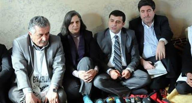 Demirtaş, 'Gelin Kürtlerin önüne sandık koyalım'