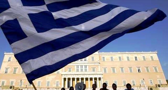 Yunan vekil, 'Kıbrıs için 216 milyar dolarlık silah aldık'
