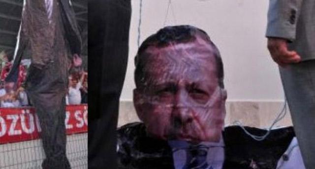 Başbakan'ın 3D posteri ortalığı karıştırdı