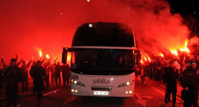 Galatasaray'a japon turistlerden destek