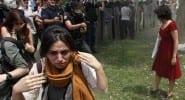 Reuters'tan 'Kırmızı kadının' fotoğrafları