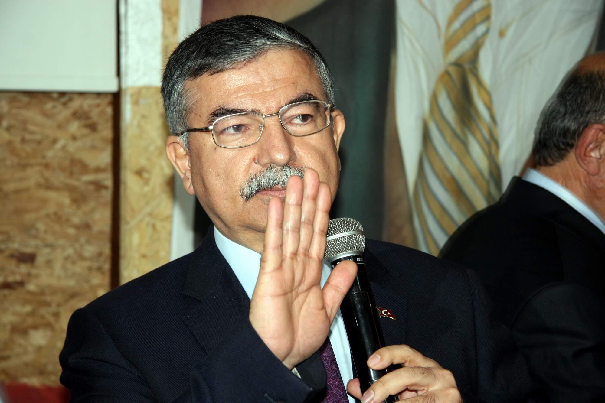 """Milli Savunma Bakanı'ndan """"askerlik süresi"""" açıklaması"""