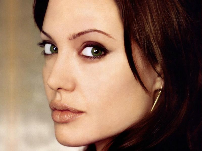 Angelina Jolie korkuttu