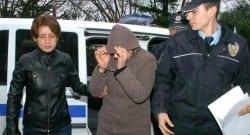 Kocasını boğarak öldüren kadın serbest kaldı!