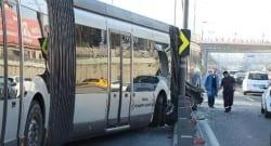 Bayrampaşa'da metrobüs kazası!
