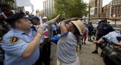 ABD'de İsrail yanlısı eyleme bastonlu tepki