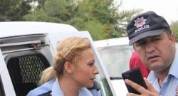 Sulama kanalına uçan kadın polis memuru göz yaşlarını tutamadı!