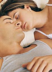 Uyku stiliniz eşinizle ilişkinizi gösteriyor!