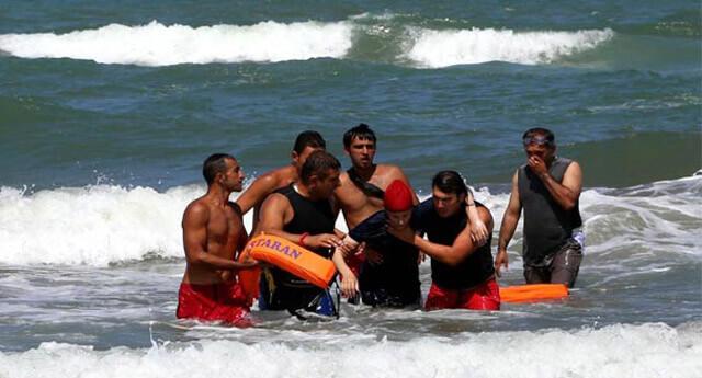 Karadeniz'de 15 kişi boğulma tehlikesi geçirdi!