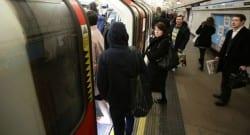 Londra metrosunda terör saldırısı paniği!