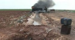 Suriye'deki petroller savaş nedeniyle toprağa akıyor!