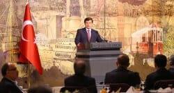 Başbakan Davutoğlu, Başbakanlık Çalışma Ofisi'nde Akil İnsanlar'la bir araya geldi!