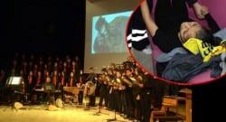 10 Kasım töreni sırasında sahnedeki öğrenciler platformdan düştü!