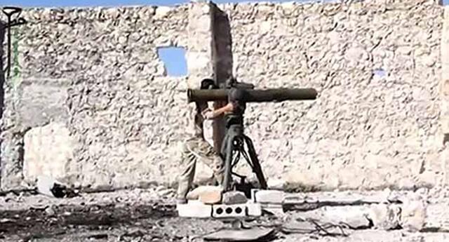 ABD'nin eğittiği muhalif Suriyeliler teslim oldu!