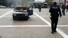 Sorunları olan adam aracını yaktı