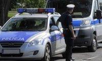 İki Türk'ü döverek silah zoruyla gasp ettiler