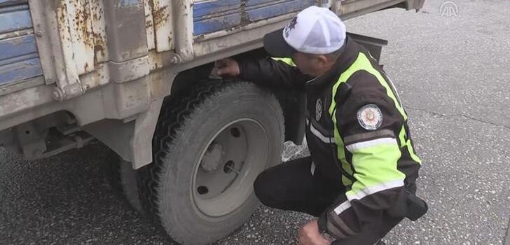Trafik polisleri kış lastiği denetimlerine başladı