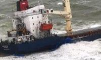 Şile'de kuru yük gemisi kıyıya oturdu!