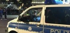 Almanya'da saldırgan kaldırımda yürüyenlerin üzerine araç sürdü!