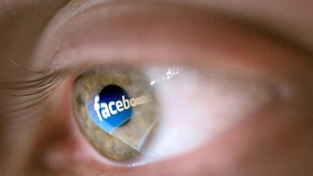 Facebook Messenger, kamera ile bizi mi izliyor?